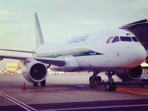 イタリア行き飛行機